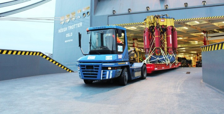 Höegh Autoliners cooperates with Ilomar Agencies for the ocean transportation of out-of-gauge cargo from Singapore to Europe