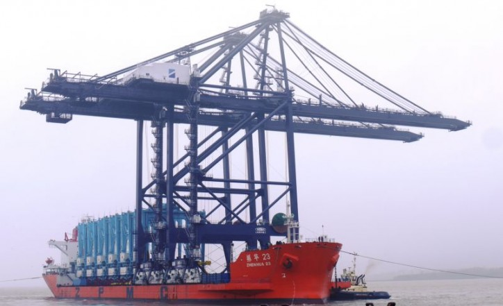 Port of Felixstowe takes delivery of its first two remote control ship-to-shore gantry cranes