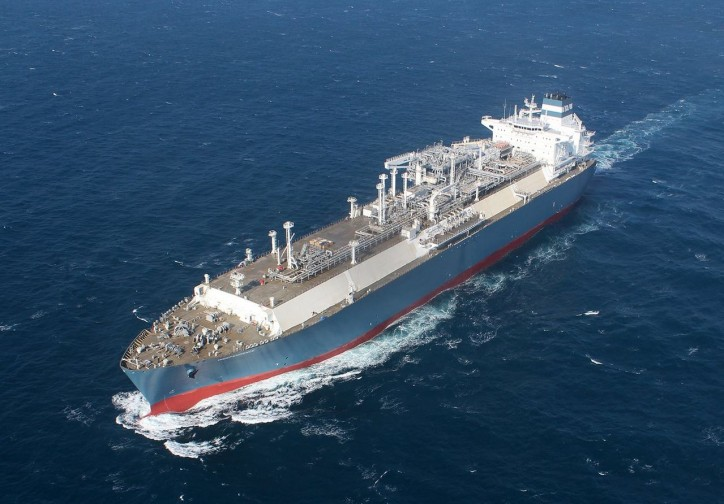 Höegh LNG Holdings invests with Stolt-Nielsen and Golar LNG to create small-scale LNG market leader
