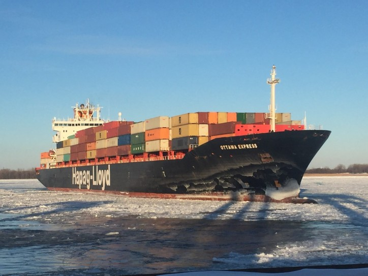 The Port of Montreal welcomes the first ocean-going vessel of 2018
