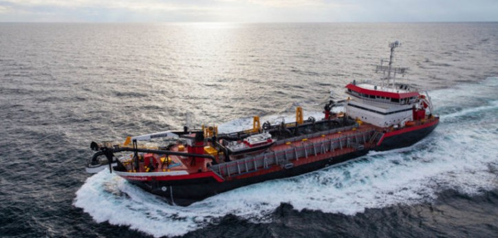 Eastern delivers dredger Magdalen to Weeks Marine