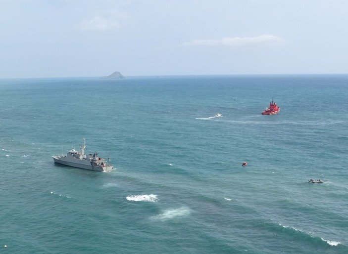 Spanish minesweeper runs aground during search for crashed C-101 aircraft