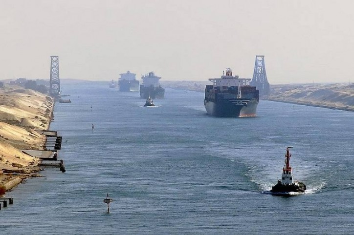 Are ships really avoiding the Suez?