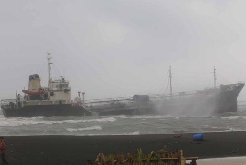 Sheng Chang aground