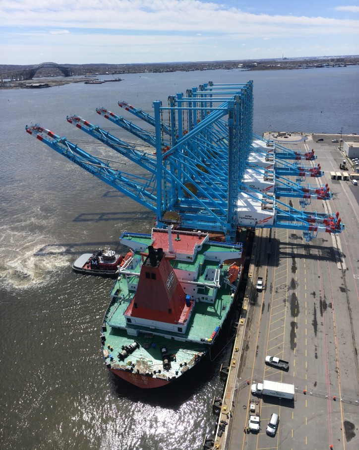 New cranes arrive at APM Terminals Elizabeth