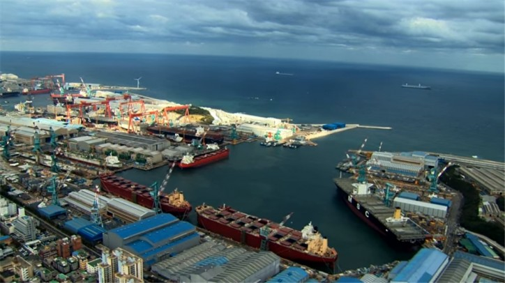 South Korea's maritime industry shrinks in 2016: data