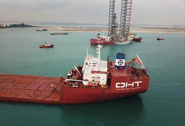 Spotted: OHT sister vessels met at work in Singapore