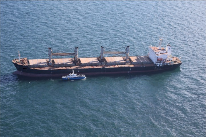 Grounded Bulk Carrier Might Spend Days Being Stuck Off Sweden