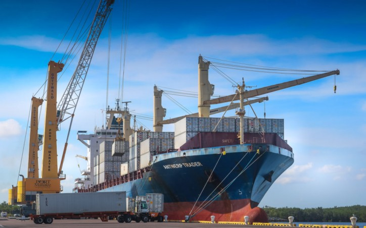 Port Manatee breaks container, tonnage records