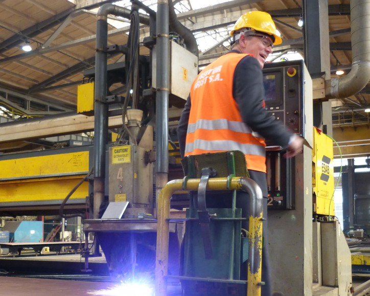 SVP in Color Line, Jan Helge Pile, pushed the start button of the steel cutter.
