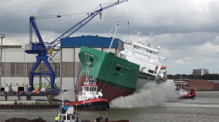 Ferus Smit Nb. 447 'Arklow Wave' successfully launched (Video)