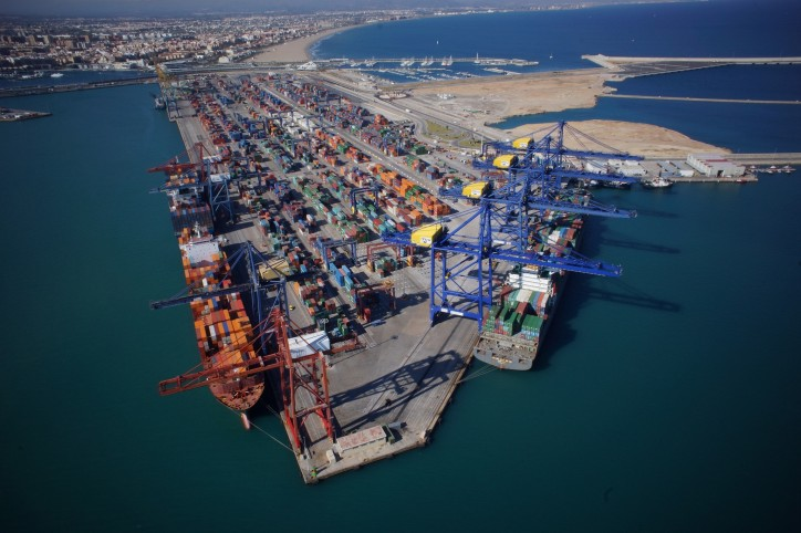 APM Terminals signs agreements to acquire 100% of Grup Maritim TCB