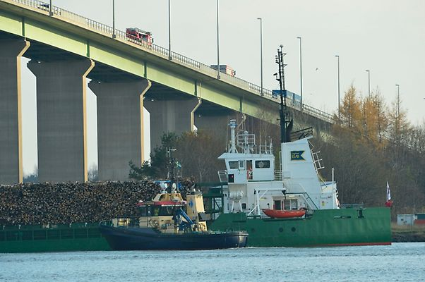 Cargo ship Nossan at risk of sinking after power failure.