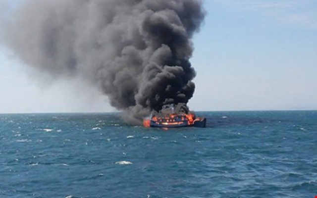 Fire destroys cargo ship off Binh Thuan Province, Vietnam