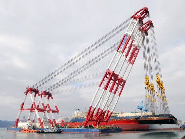 The World's Biggest Shear-leg Floating Crane in operation