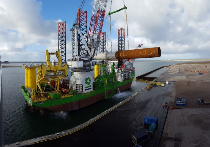 First monopile loaded onto sea-going vessel at Sif's Maasvlakte 2 location