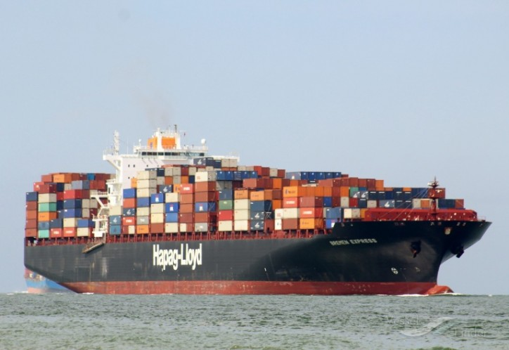 Hapag-Lloyd's boxship Bremen Express loses containers at sea