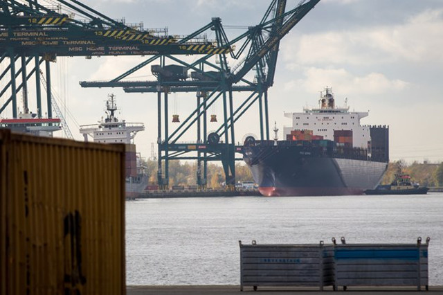 Container ship MSC Gemma damaged after collision in Antwerp