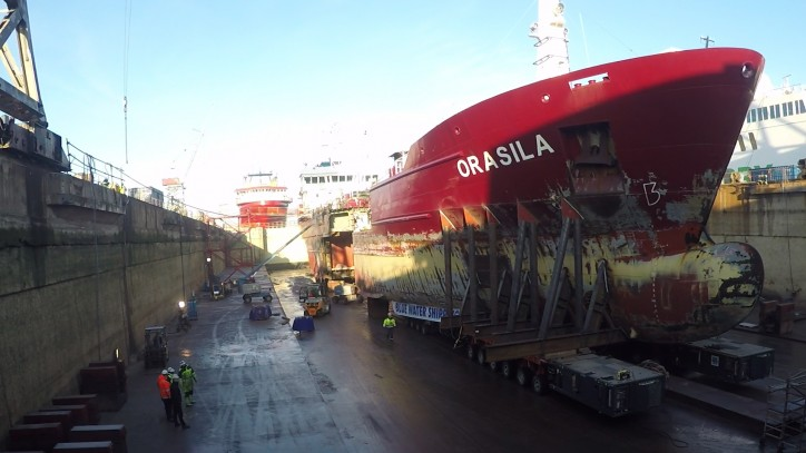 Video: Blue Water Shipping assisted Fayard A/S with a twenty-metre hull extension