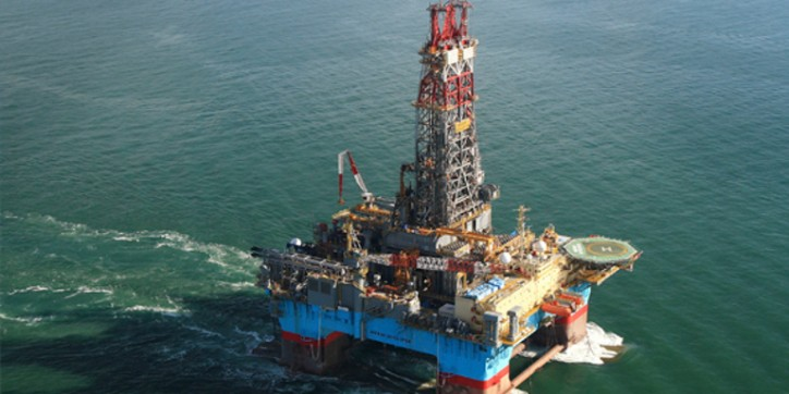 Maersk Drilling secures important contracts for three rigs