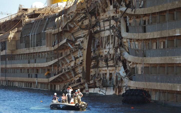 Costa Concordia to be scrapped in Genoa
