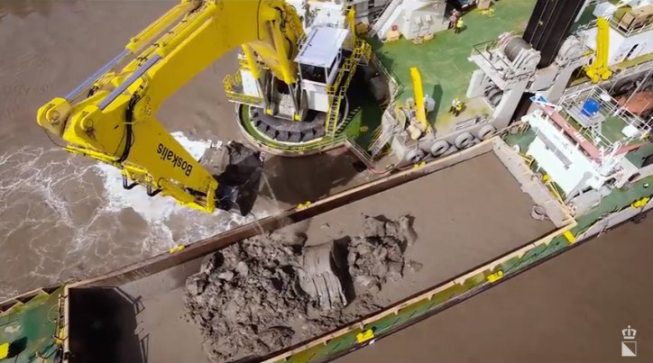 Boskalis: Capabilities Backhoe Dredger (Video)