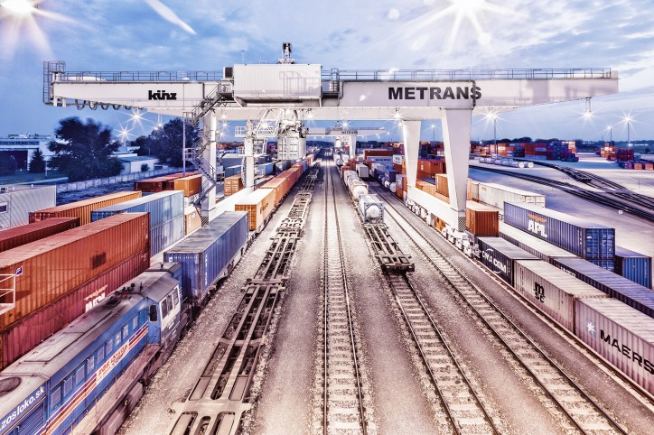 Hamburger Hafen und Logistik AG (HHLA) strengthens Metrans: High service quality for customers