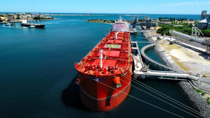 Klaveness Combination Carriers ASA concludes the first contract of affreightment for its CLEANBU fleet