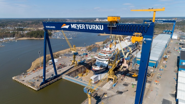 Largest gantry crane in the Nordic countries delivered to Meyer Turku