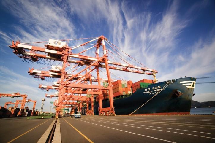 Hyundai Merchant Marine selects shipbuilders for eco-friendly mega containerships