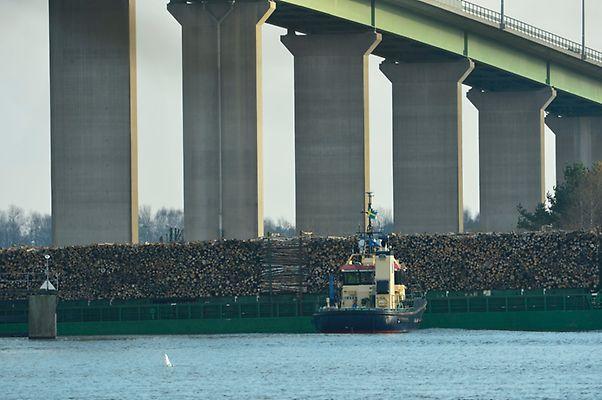 nossan aground laden