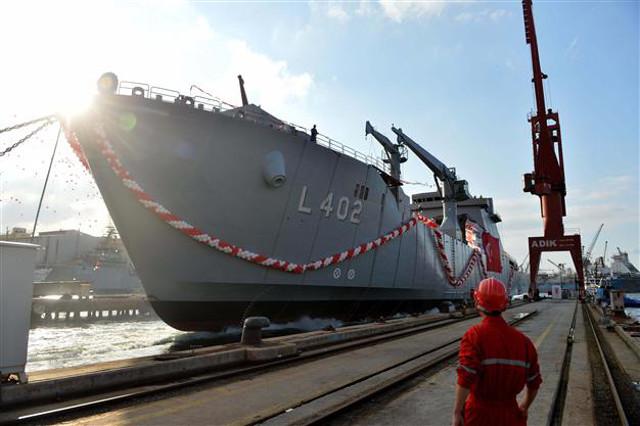 Turkey launches Bayraktar amphibious ship