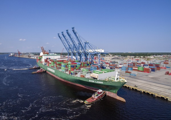 Evergreen Marks Arrival at North Carolina Ports with 8,500 TEU Vessel