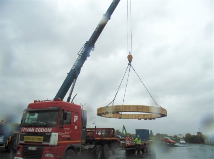 Northern Shipping Company handles heavy lift cargo delivery from Antwerp to St. Petersburg