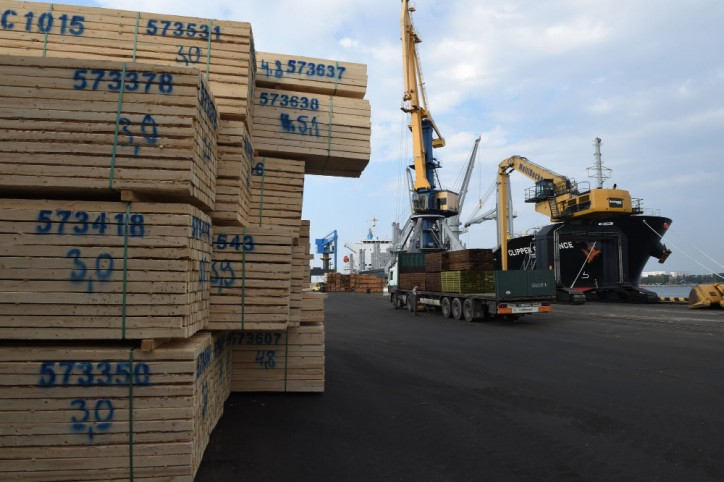 Riga Port reports an increase in dry bulk and general cargo; Drop in oil products