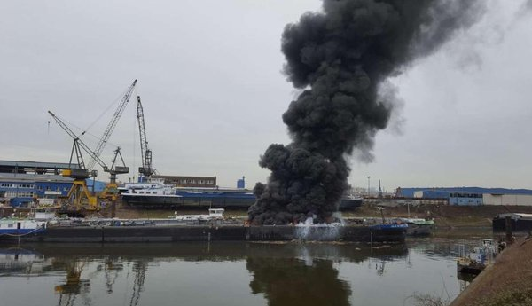 Two dockworkers were killed on Mar 31 when part of a tanker ship JULIUS RUETGERS exploded in the port of Duisburg, Germany.