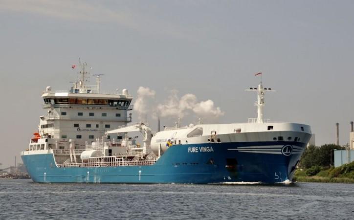Furetank Orders New Vessel and Sells FURE VINGA