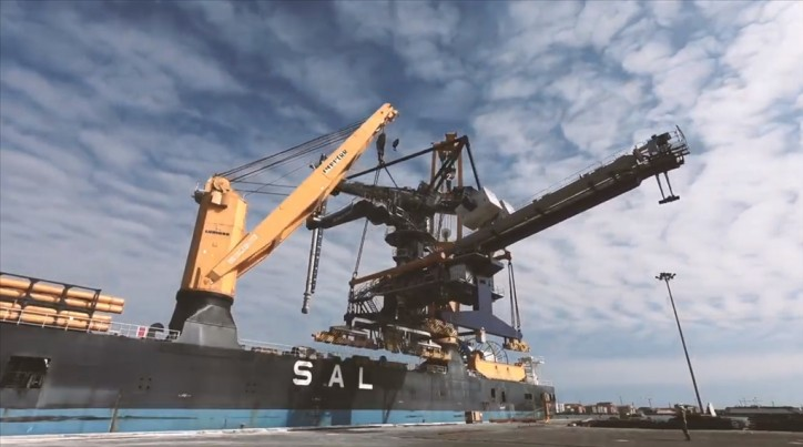 WATCH: SAL' MV Calypso, loading Siwertell ship unloader
