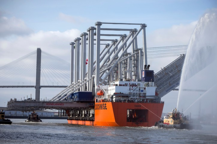 Four more Neo-Panamax cranes arrive at the Port of Savannah (Video)