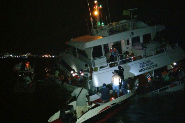 158 passengers rescued from sinking ferry ZUHAIRI near Semporna port, Malaysia