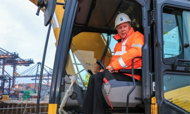Latest Expansion begins at Port of Felixstowe