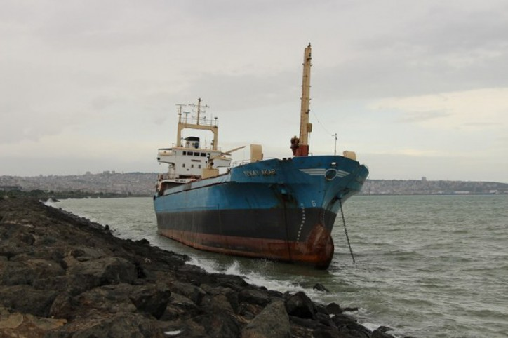 Spotted: Cargo ship Tokay Akar runs aground near Samsun, Turkey