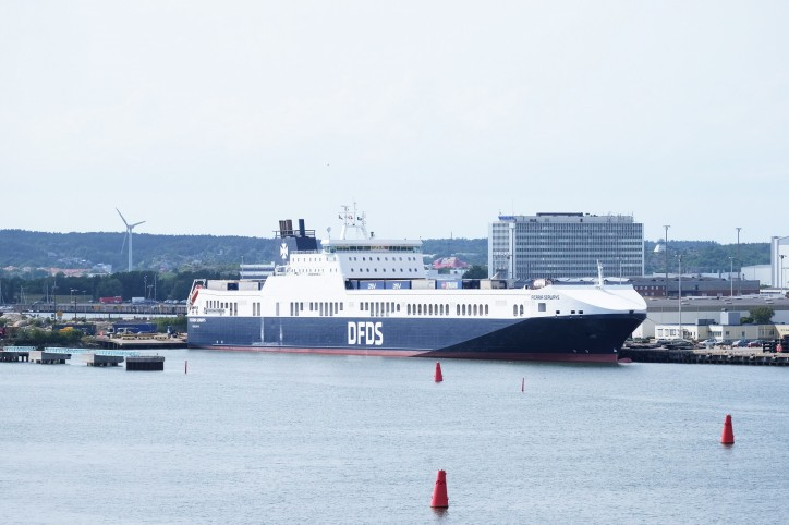 DFDS and DESMI Ocean Guard sign frame agreement for supply of CompactClean BWMS for DFDS fleet