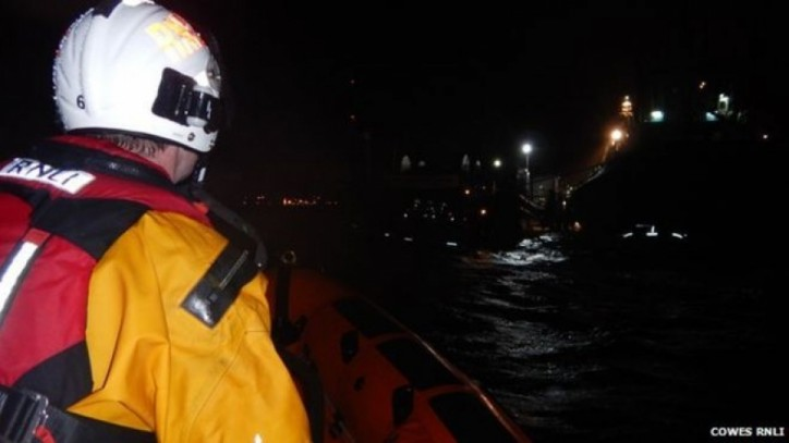 Sinking of Capsized Tug Lead to Dramatic Rescue Operation by UK CG