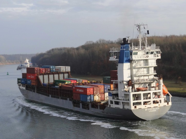 Containership BF Fortaleza ran aground near Maloy, Norway