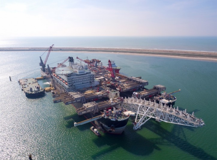 Pioneering Spirit vessel resumes pipelaying for TurkStream