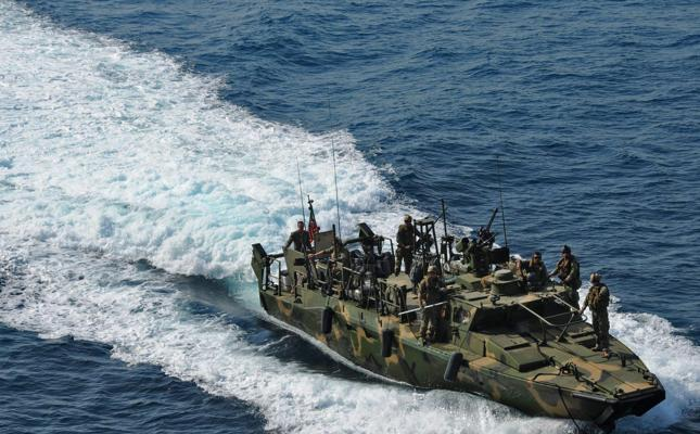 Navy Prevents 115 Pirates from Attacking Iranian Tanker Ship