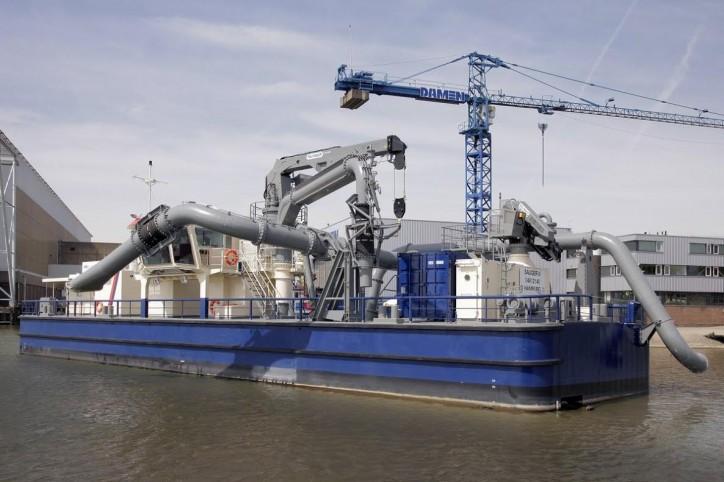 Damen delivers bespoke floating pump station Sauger III to Hamburg Port Authority
