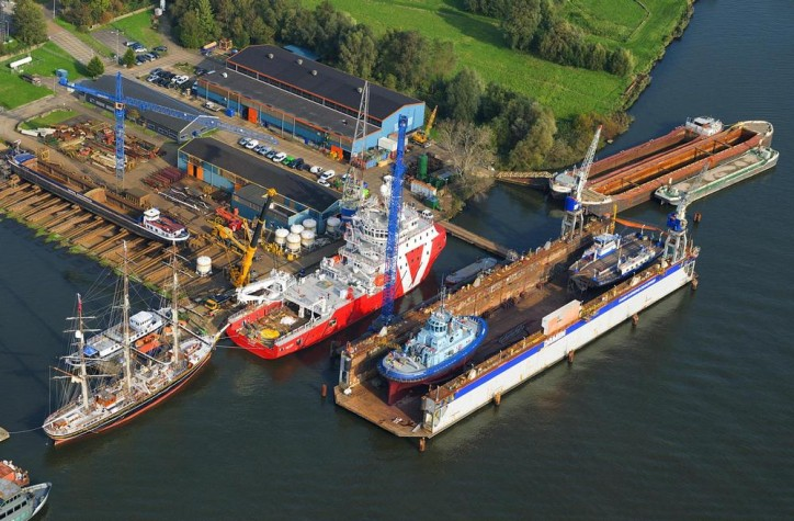 Second Vroon W2W vessel completes modifications and outfitting at Damen Shiprepair Oranjewerf