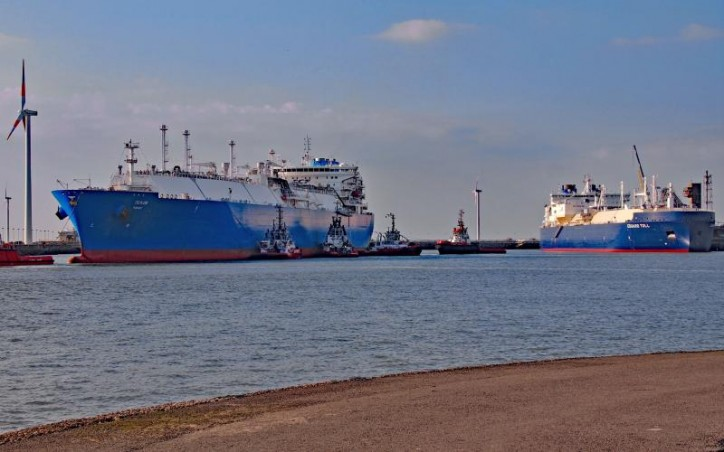First simultaneous transhipment of Yamal LNG